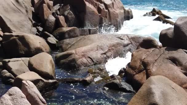 Přírodní bazén La Digue pomalý pohyb