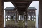 Fotografie Ansicht der alten hölzernen Bootshaus in Inning am Ammersee, Deutschland