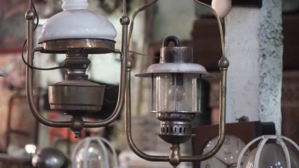 Antik lámpa árnyalatú.