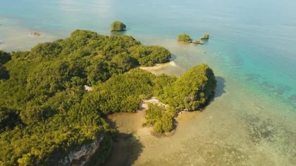 pobřeží tropický ostrov