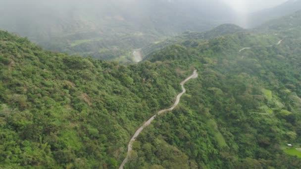 Horská silnice na ostrově Luzon, Filipíny