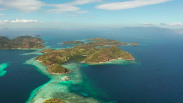 trópusi sziget homokos stranddal, Fülöp-szigetek, Palawan