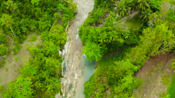 Krásný tropický vodopád Filipíny, Cebu
