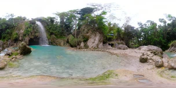 Bella cascata tropicale Filippine, Cebu. 360vr