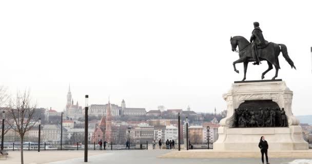 Budapest, Magyarország-január 17, 2019: kilátás az épületekre, Duna folyó Budapesten az óvárosban