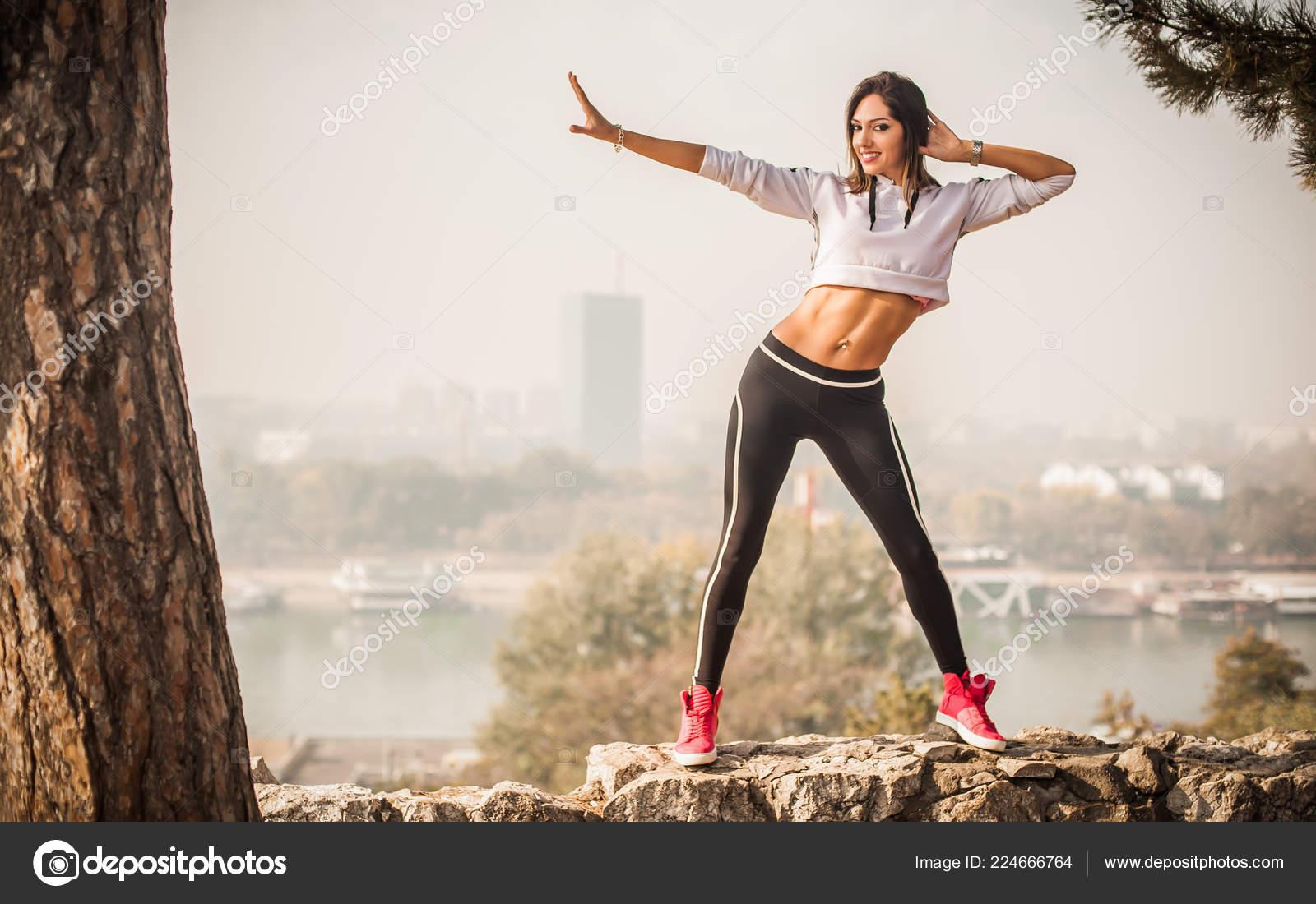 Instrutor Fitness Dança Zumba Fazendo Esporte Exercícios