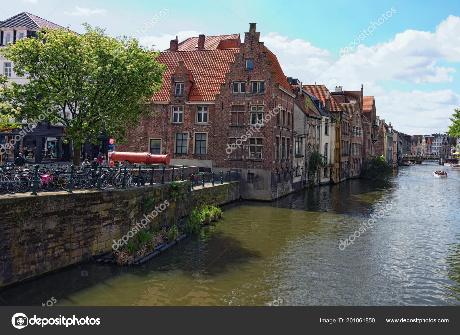 Ghent Belgia Maja 2018 Wiersz średniowiecznych Budynków