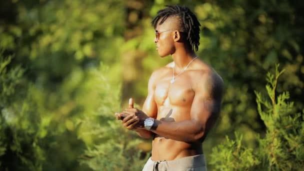 Afrika nahý obrázek