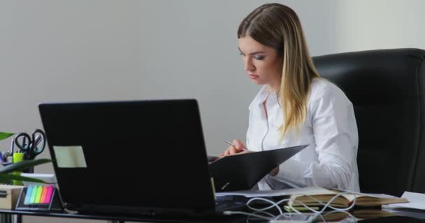 Young businesswoman have many work in the office
