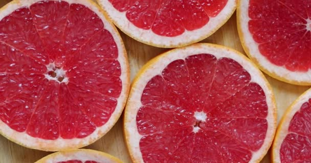 Grapefruits rotating, top view