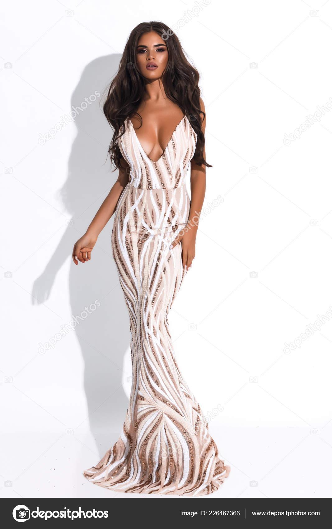 Vestido blanco y dorado largo