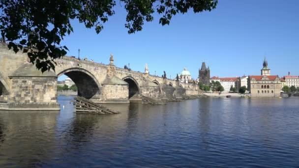 Praha, Česká republika. Květen 2018. panoramatický pohled z Karlova mostu v Praze, Česká republika