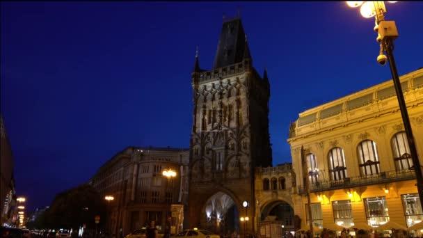 Praha, Česká republika. Květen 2018. Pohled z věže prášek večer v Praze, Česká republika