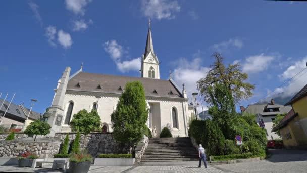 Hermagor, Rakousko. 15. srpna 2018. Pohled z kostela Stadtpfarrkirche ve městě