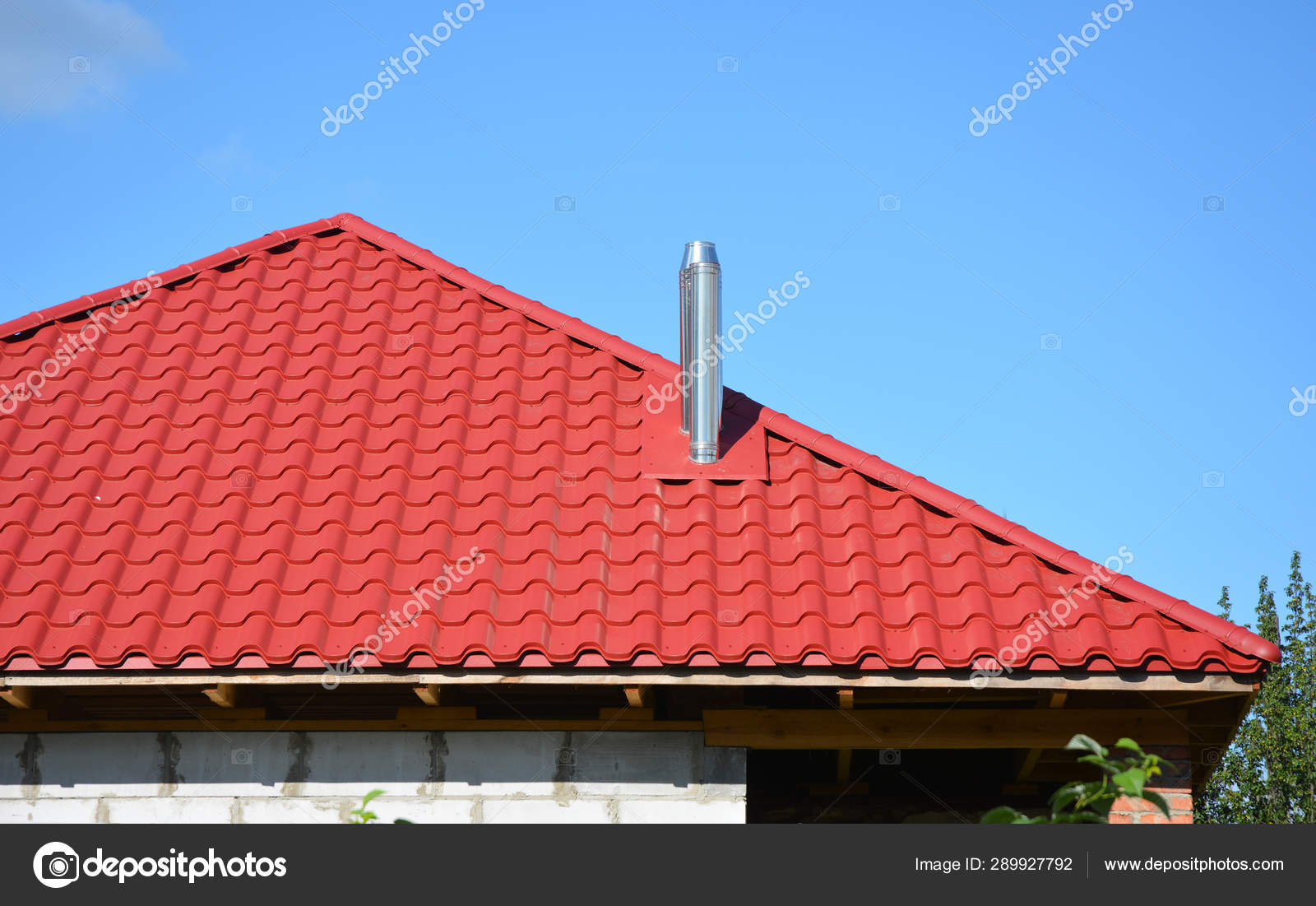 Lightweight Red Metal Roof Tiles Roofing Construction With Steel