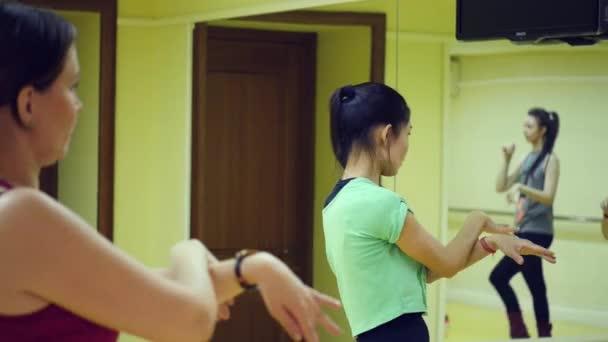 Szeptember 11-én, 2017. Novoszibirszk. Dance próba a stúdió.