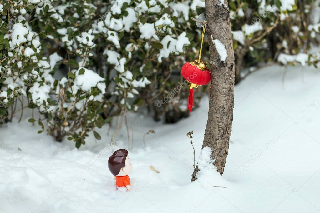 Red lanterns in the snow