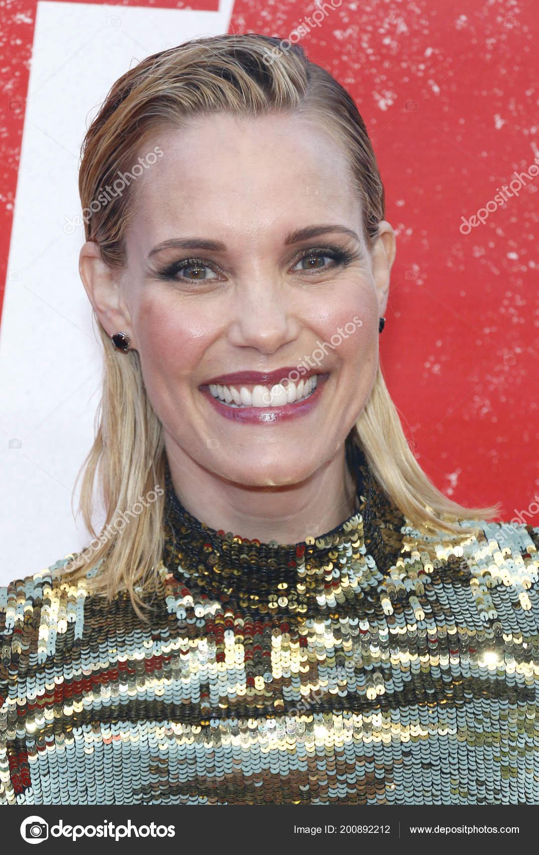 Helen Hunt born June 15, 1963 (age 55),Nicole Berger (American actress) Sex videos Lex Scott Davis,Sarah Shahi