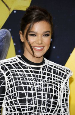 actress Hailee Steinfeld at the World premiere of 'Bumblebee' held at the TCL Chinese Theatre IMAX in Hollywood, USA on December 9, 2018.