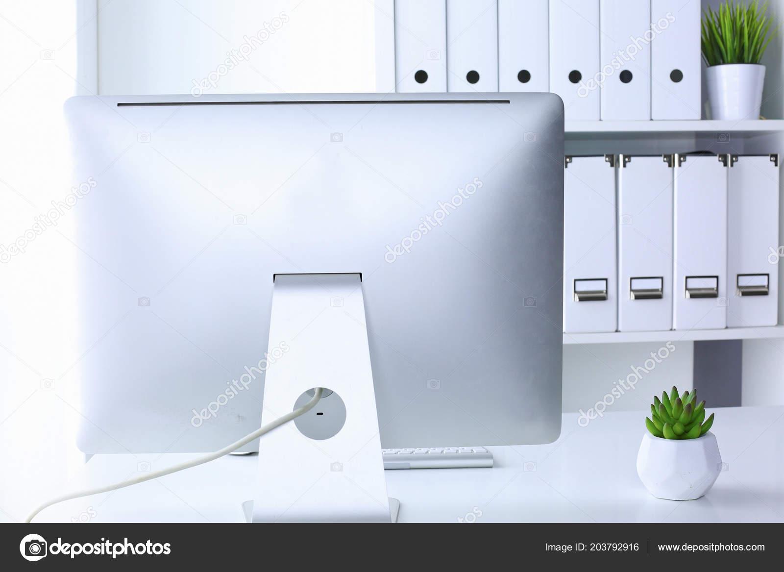 Maquette de présentation d espace de travail ordinateur de bureau
