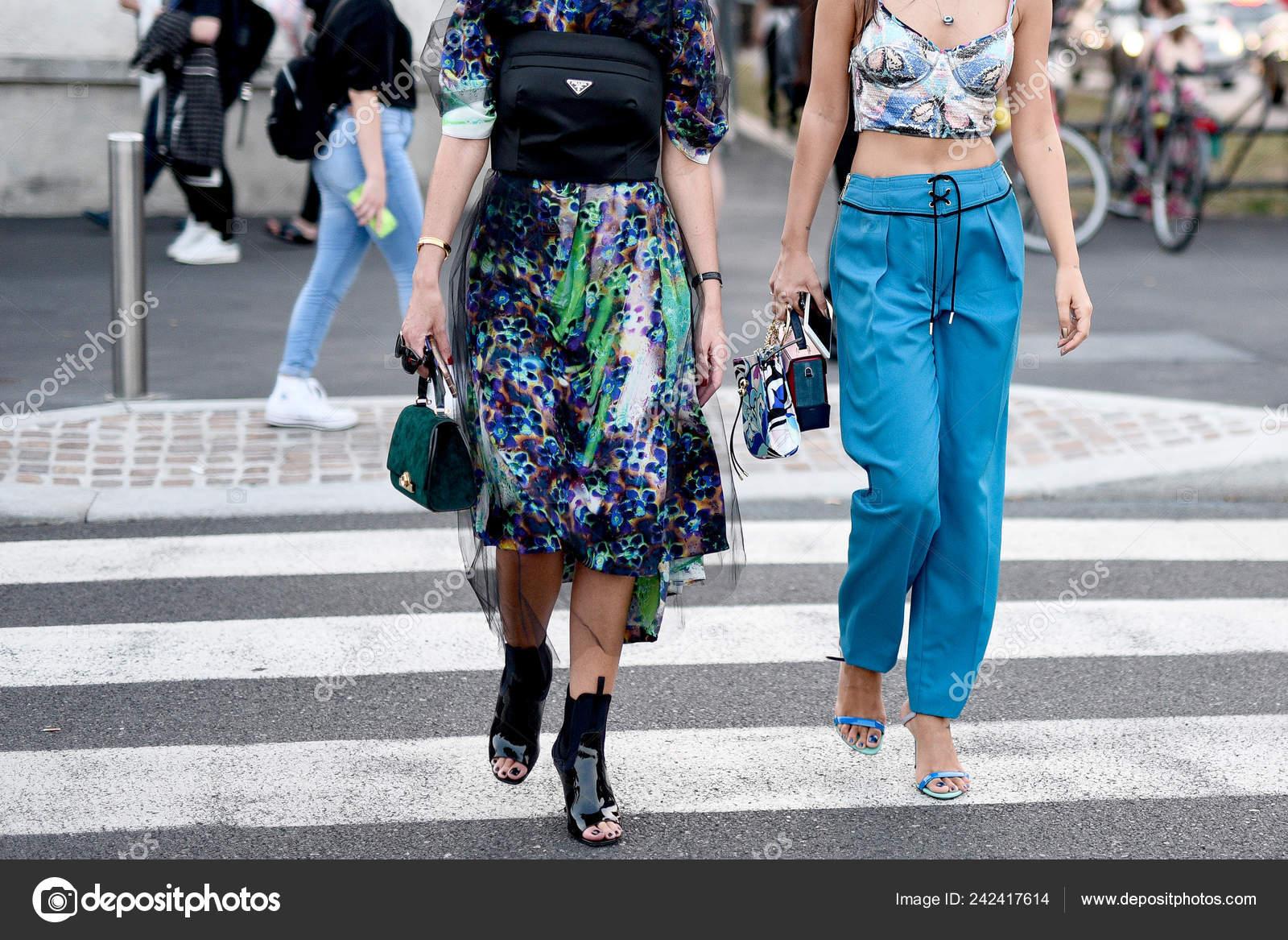 54f82dc8bf81 Σεπτεμβρίου 2018 Μιλάνο Ιταλία Οδός Στυλ Ρούχα Λεπτομερώς Κατά ...