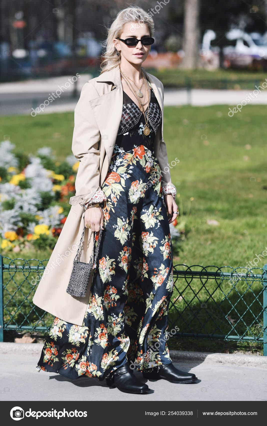 6a5772b039850 Paris France February 2019 Street Style Outfit Caroline Daur Fashion —  Stock Photo