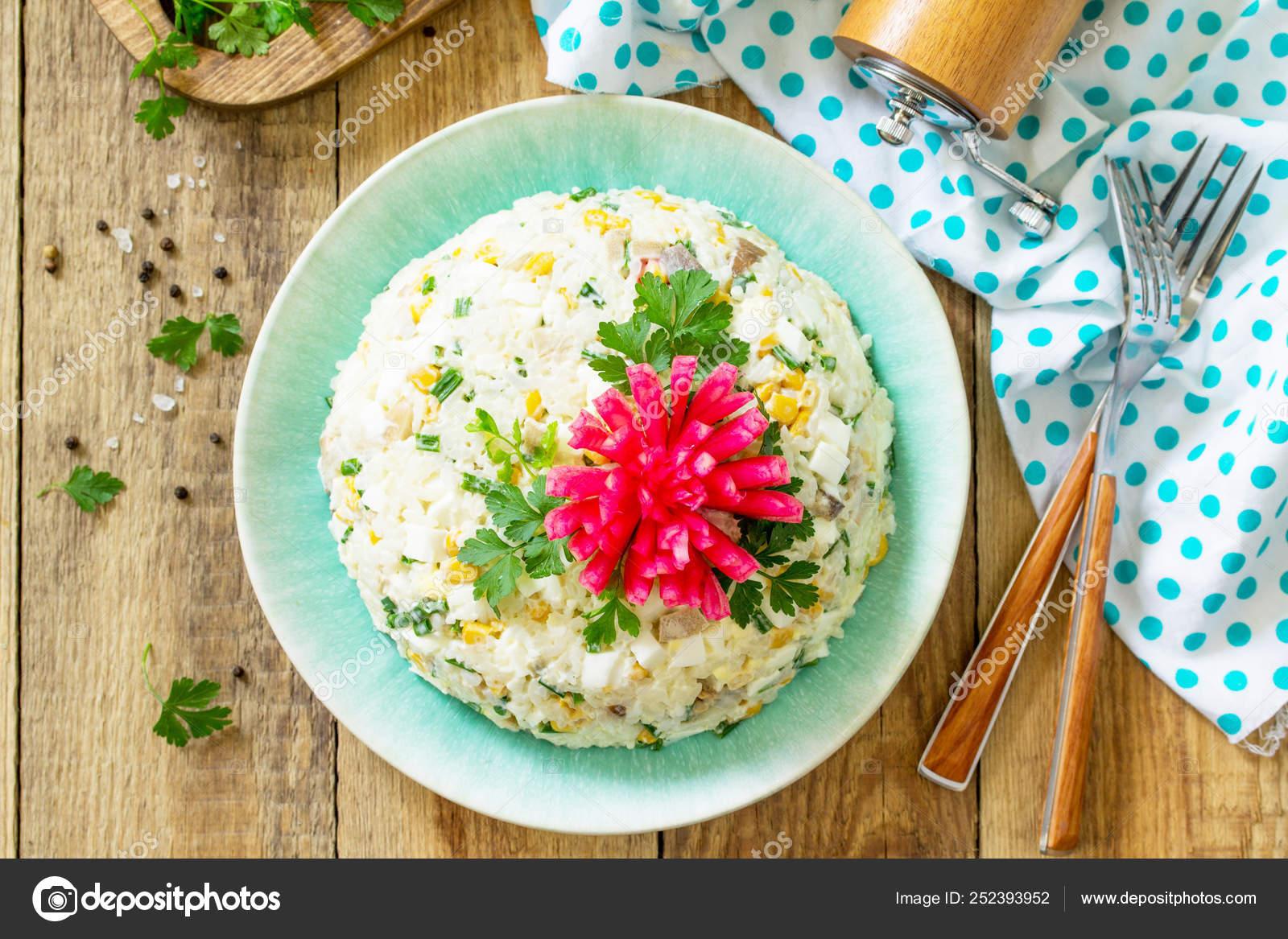 салат кукуруза яйцо
