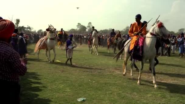 Anandpur Sahib, Deutschland - 20180302 - Hola Mohalla - Sikh Festival - Pferdeparade vor dem Main Event.