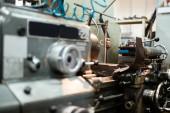 Automatické vrtací stroje, zpracování Kovovýroba pro sestavení robotů