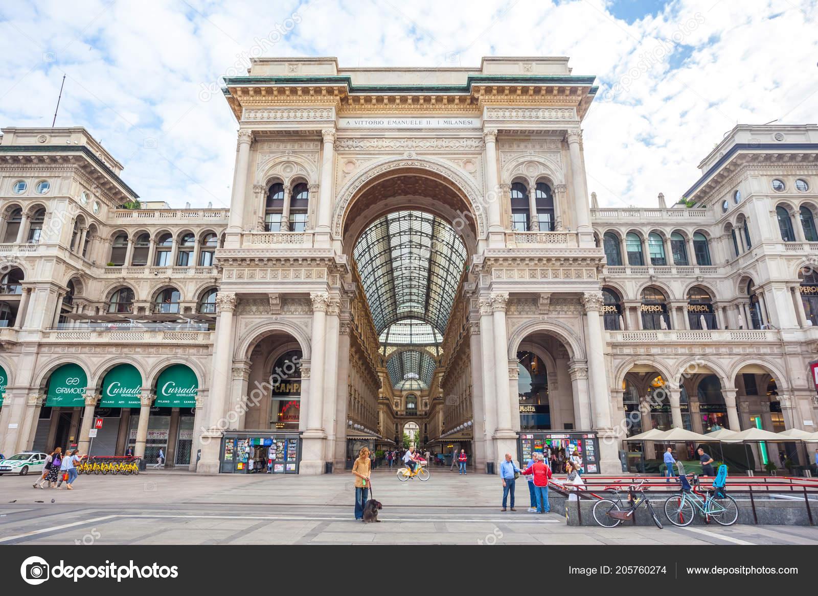 Milan Italy 2018 Entrance Galleria Vittorio Emanuele Piazza