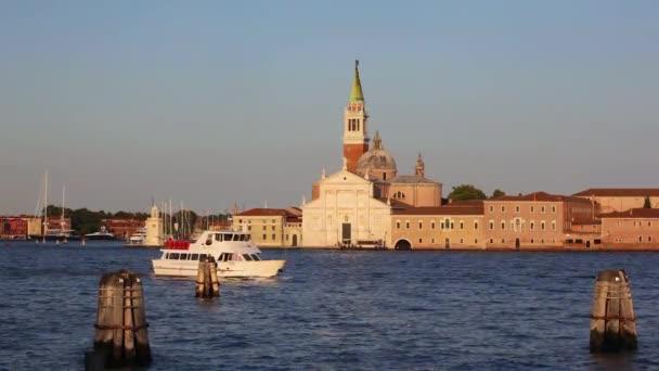 Nézd a San Giorgio Maggiore Velencébe, gondolák, Velence, Olaszország
