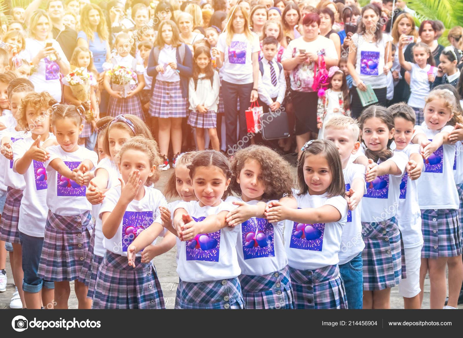 Сценарий флешмоба для дошкольников «танцуем вместе». Воспитателям.
