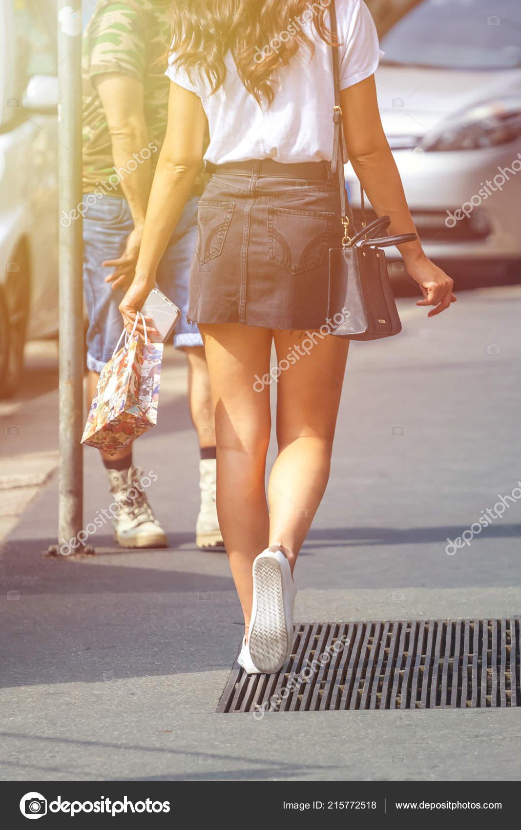 Mini vestido en la calle