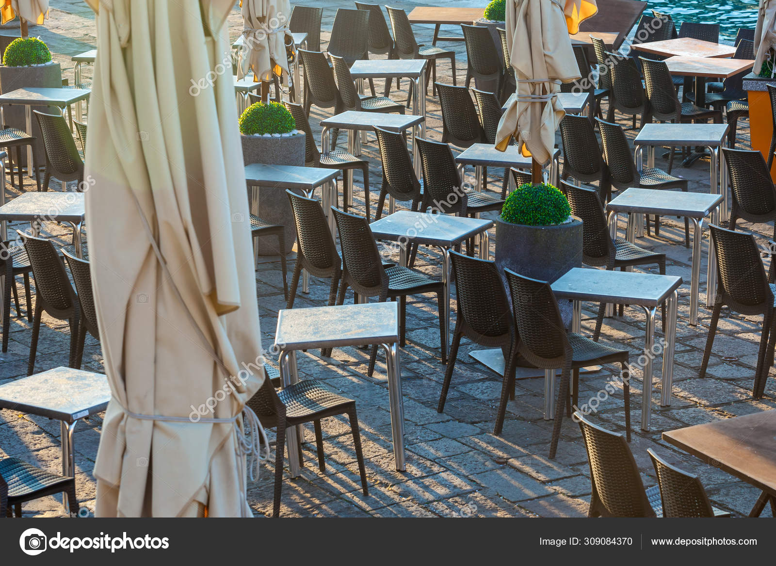 Outdoor Restaurant Table On San Marco Square Venice Italy Stock Photo C Samurkas 309084370