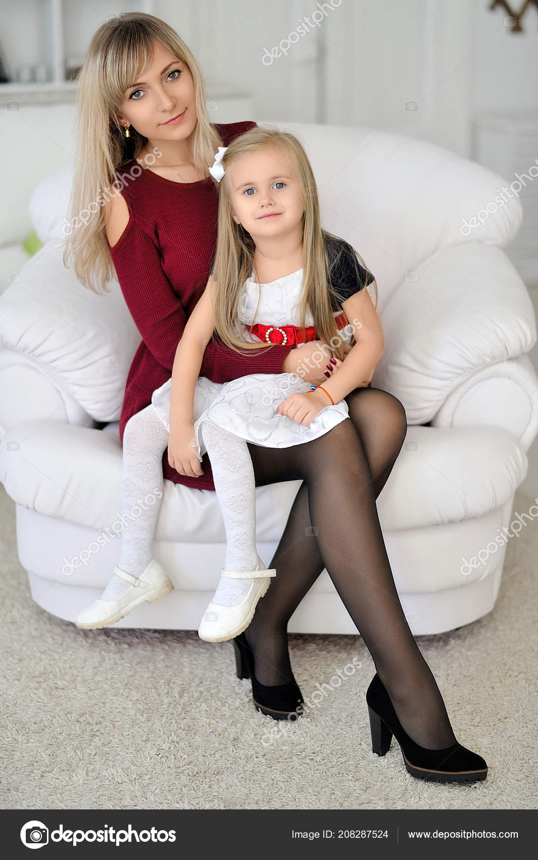 Mom daughter pantyhose apologise