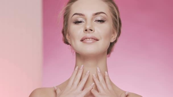 Kosmetologie koncept video na studio pozadí