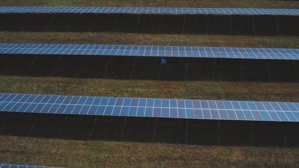 Solární baterie farmu. Střílel na DRONY