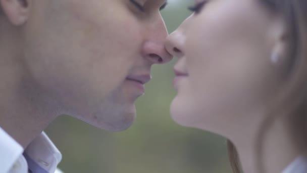 Frau Morcote Freie Latina Datierung Kostenlos Erotische Kurzgeschichten Teen Alt Mann Sucht Ihn Für Sex Grünkraut Casual Date Märien Wie Man Aufhört.