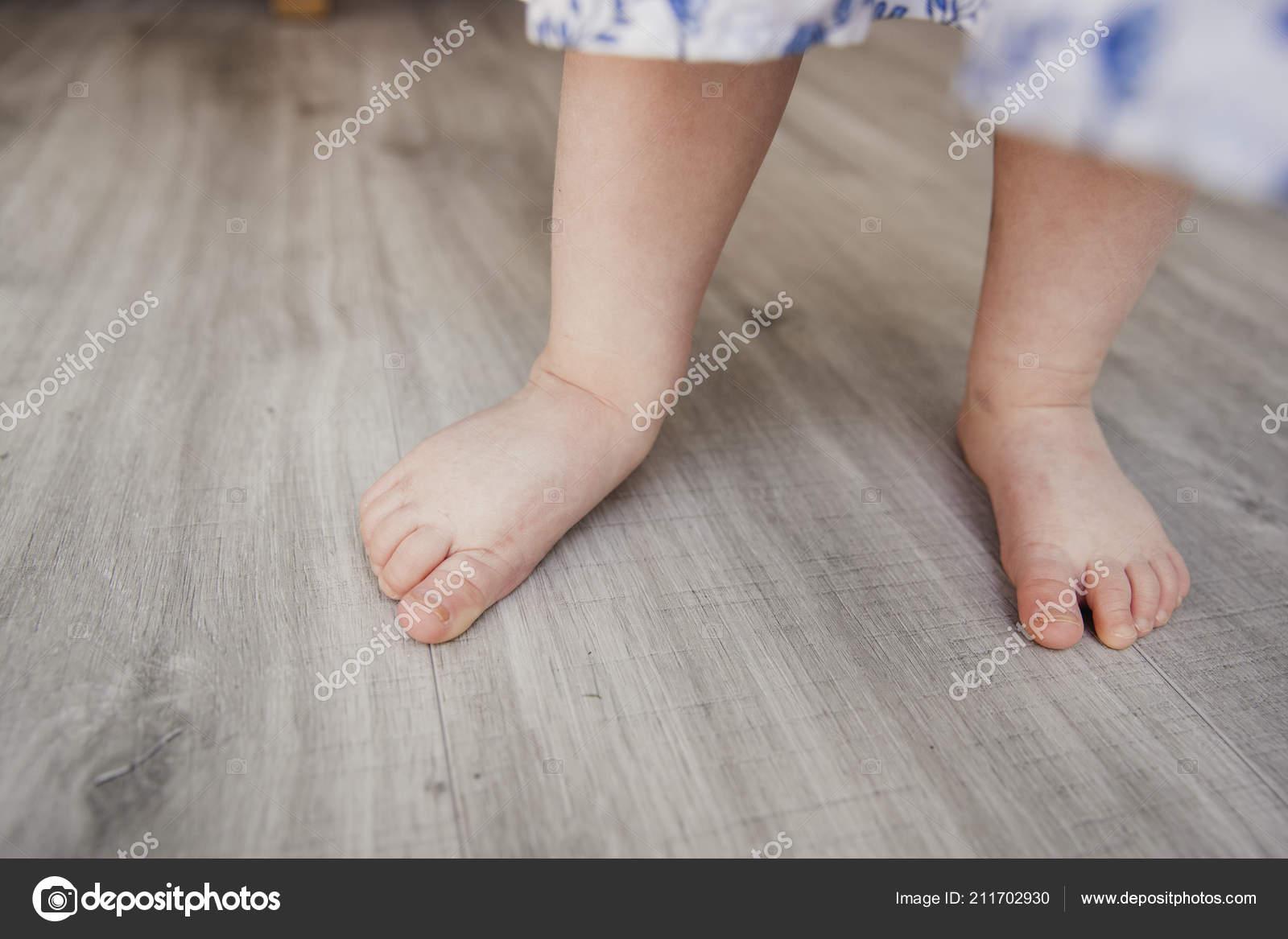 Μικρή ηλικία γυμνό κορίτσια
