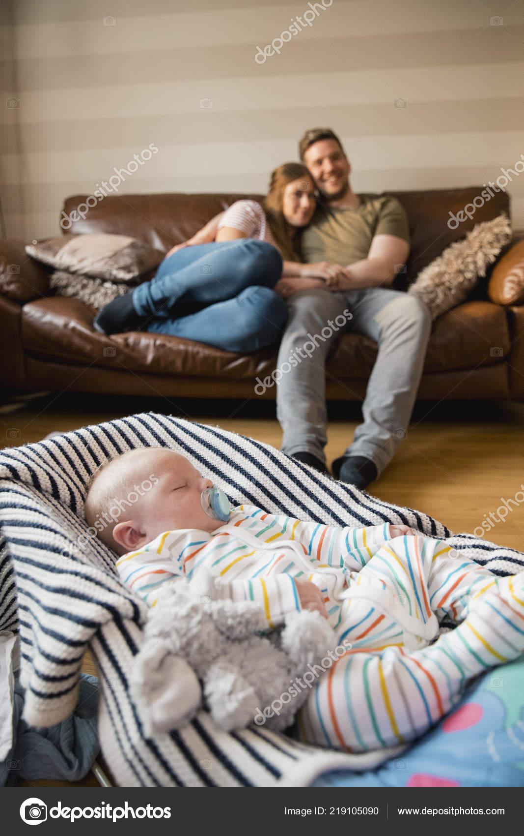 Муж и жена смотреть, голая вера брежнева слайд шоу