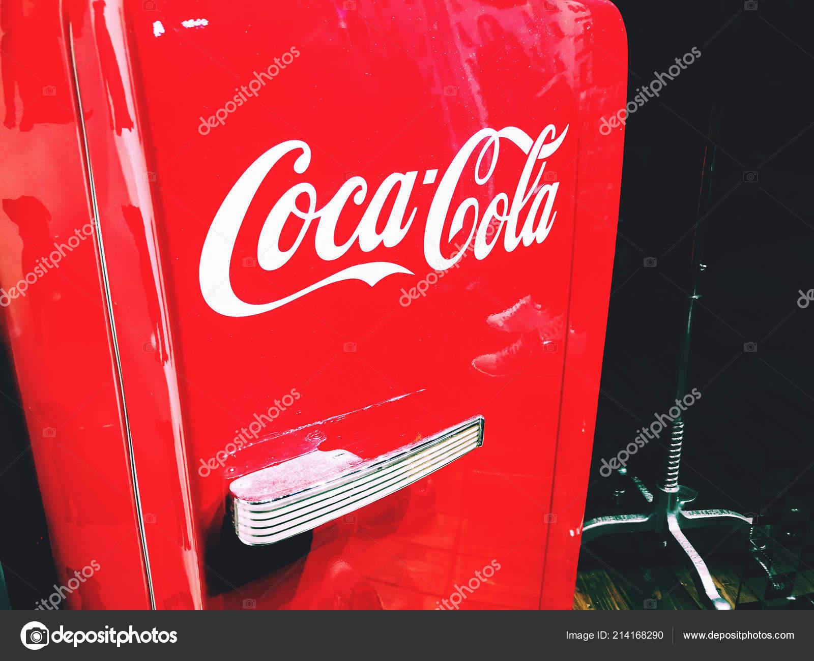 Kühlschrank Coca Cola : Coca cola kühlschrank mieten preiswerter kühlschrank verleih