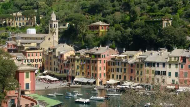 Portofino festői toronyórát olasz színes város - Genova - Olaszország