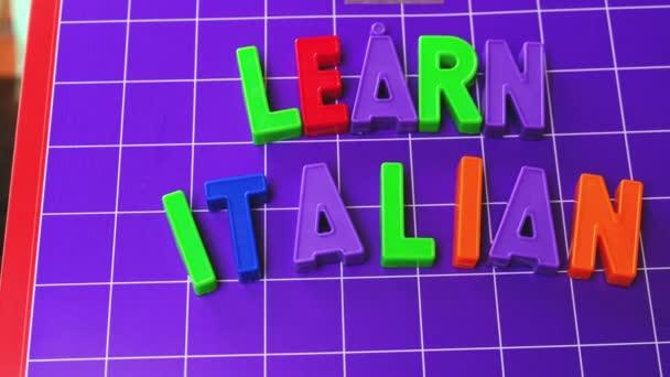 Ismerje meg az olasz nyelv ABC-mágnesek
