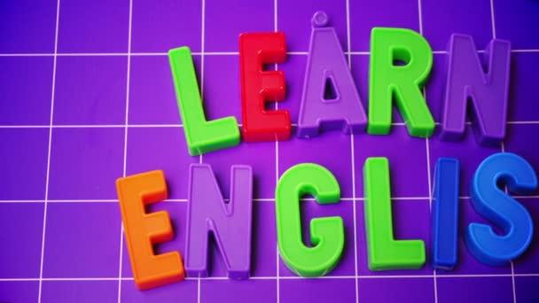Další anglické abecedy na magnety dopisy