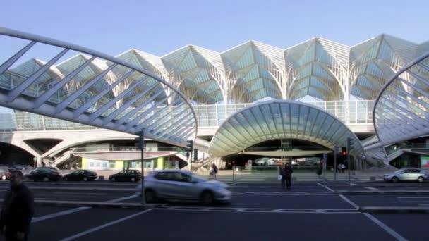 Transport links near the beautiful Oriente train station in Lisbon
