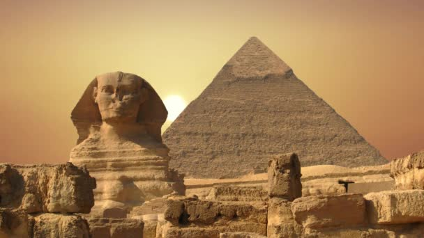 Starověká sfinga a pyramidy, symbol Egypta.