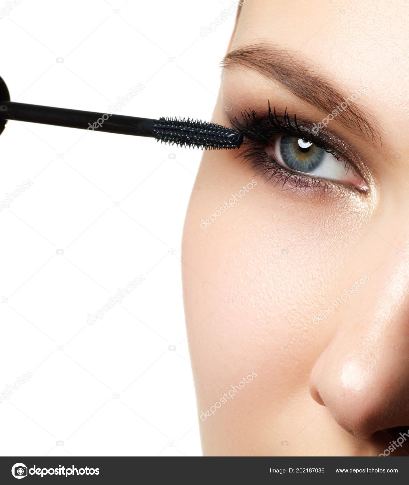 Mascara Applying Brush Lashes Closeup Long Eyelashes FKclu1JT3