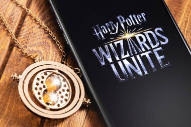 smartphone with logo of Harry Potter