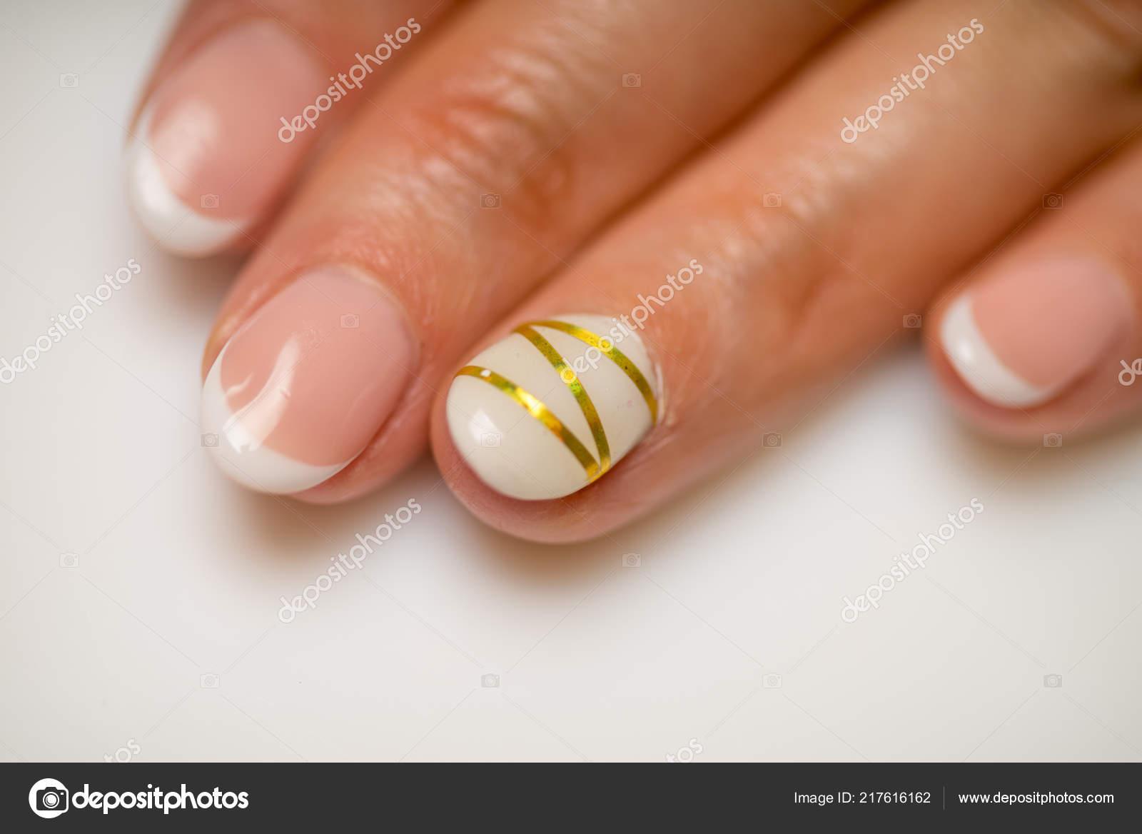 Гель для ногтей французский маникюр