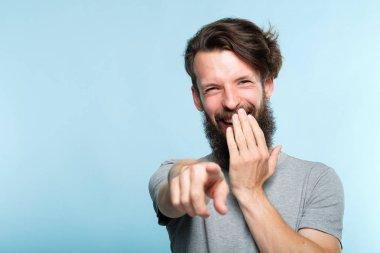 omg man mocking laughing point finger sneer abuse
